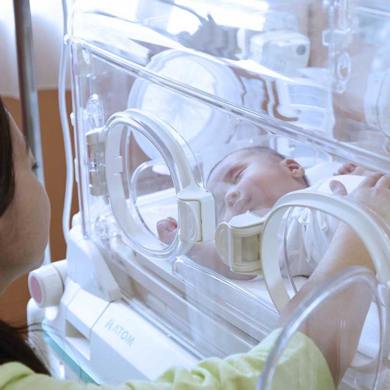 Применение инкубатора детского в России